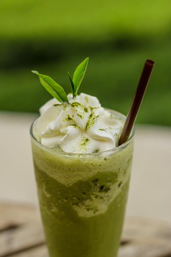 Smoothies de thé vert images stock