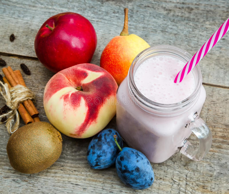 Smoothies, healthy eating royalty free stock photography
