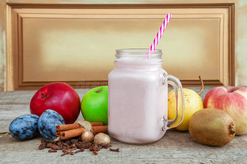 Smoothies, healthy eating royalty free stock images