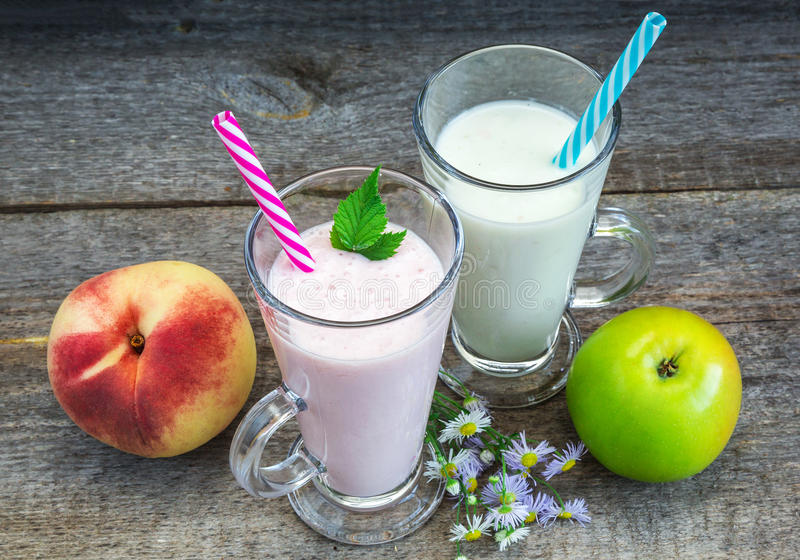 Smoothies, healthy eating royalty free stock photo