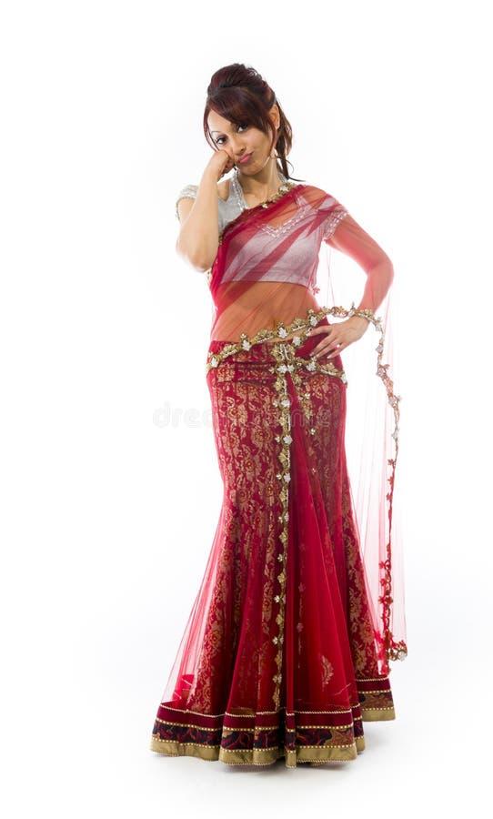 Download Smutna Młoda Indiańska Kobiety Pozycja Z Głową W Rękach Obraz Stock - Obraz złożonej z wyrażenie, folował: 41951651