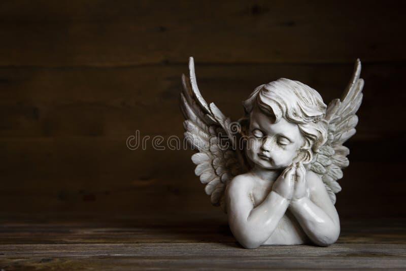 Smutny anioł: pomysł dla powitania lub kondolencje karty zdjęcia royalty free