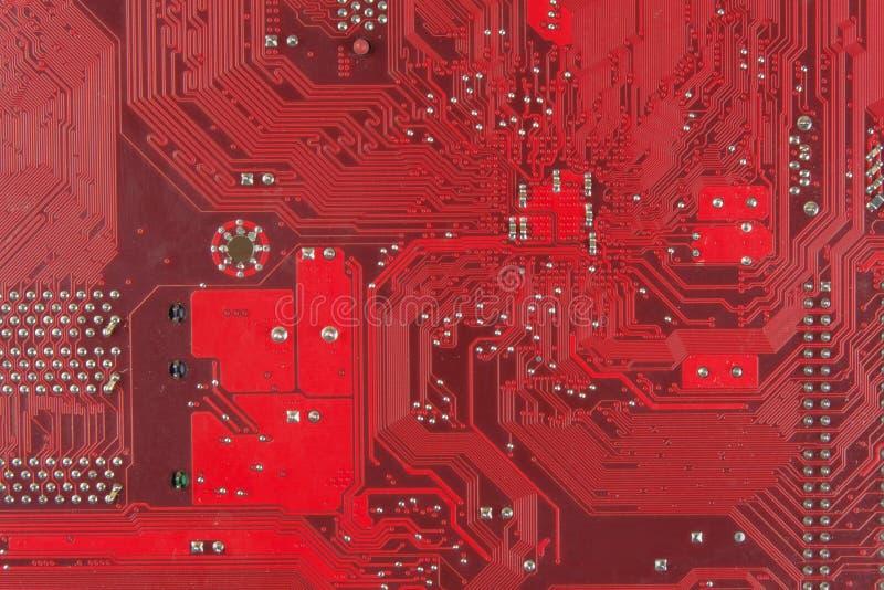 Smutsigt bräde för elektronisk strömkrets för Closeup omputerbräde med chiper och delar royaltyfri bild