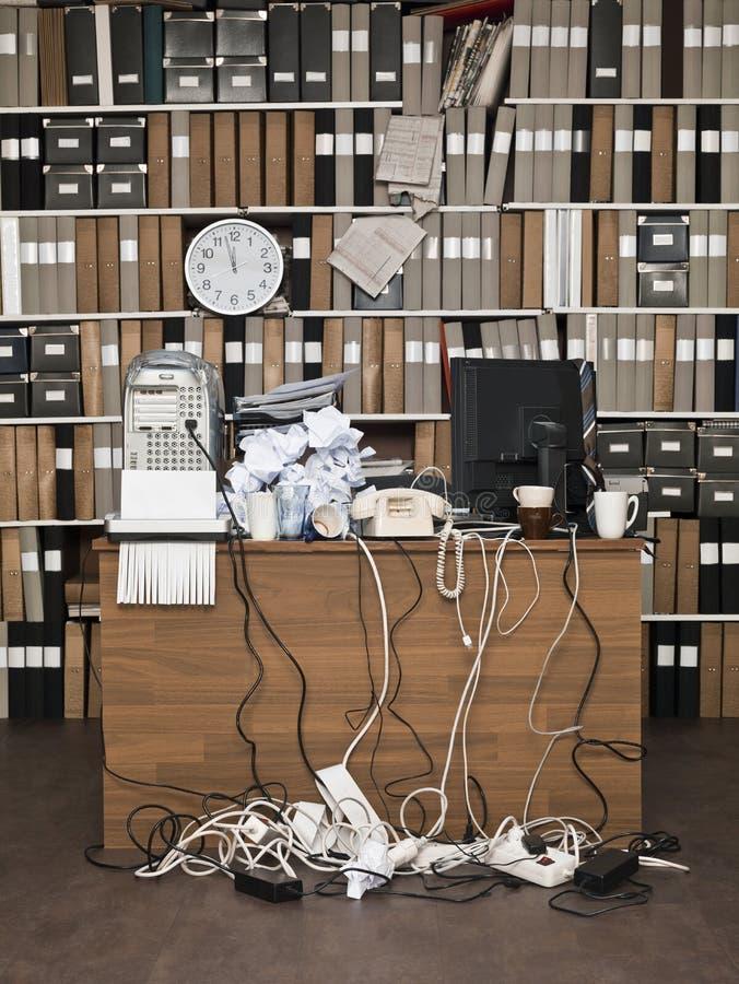 Smutsigt kontor arkivbild
