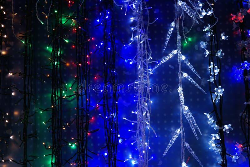 Smyczkowe bożonarodzeniowe światła dekoracje fotografia royalty free
