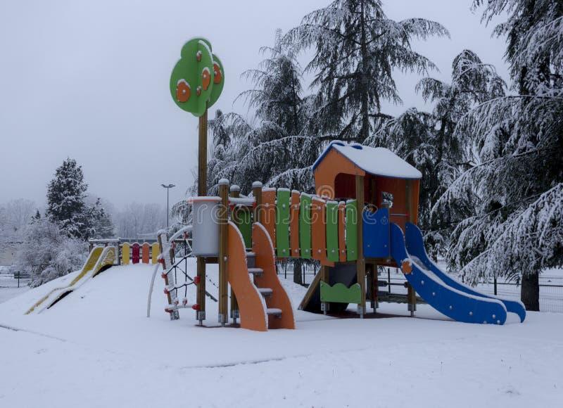 Snö på dagis royaltyfria bilder