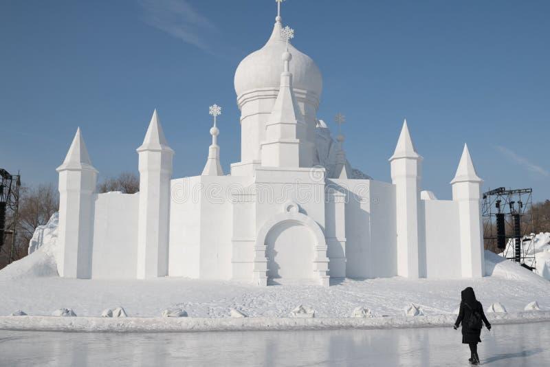 Snöa skulpturer som in fine kysser liv 2018 för Harbin snöskulpturer som detaljen för snöcarvings arkivbild