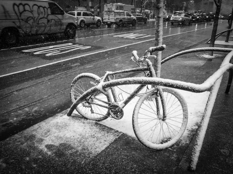 Snöcykel arkivfoton