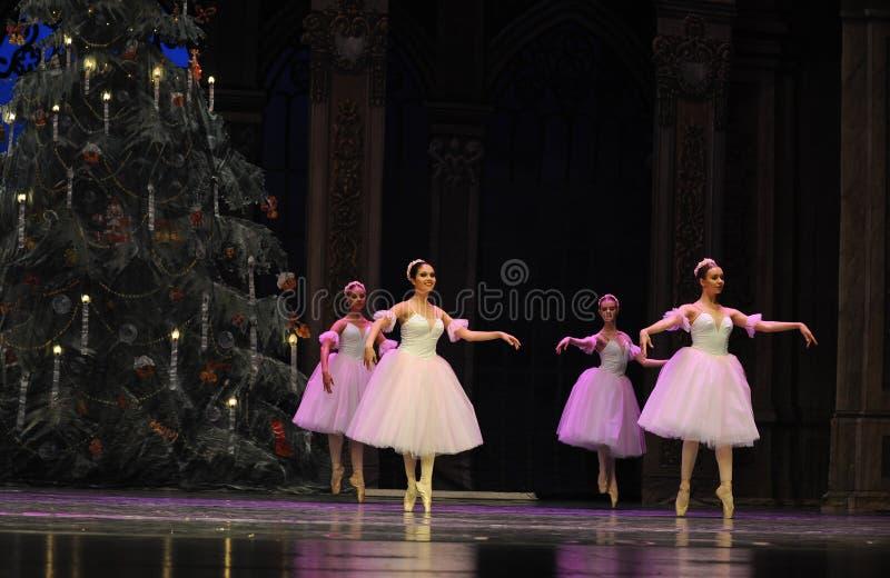 Snöflingafen det andra för handling för fältgodis i andra hand kungariket - balettnötknäpparen arkivfoto