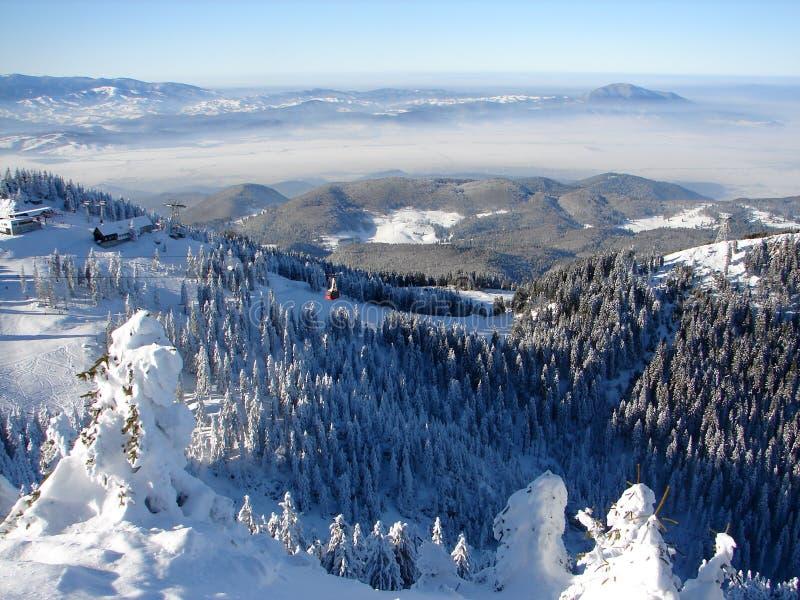 snöig överkant för berg royaltyfri bild