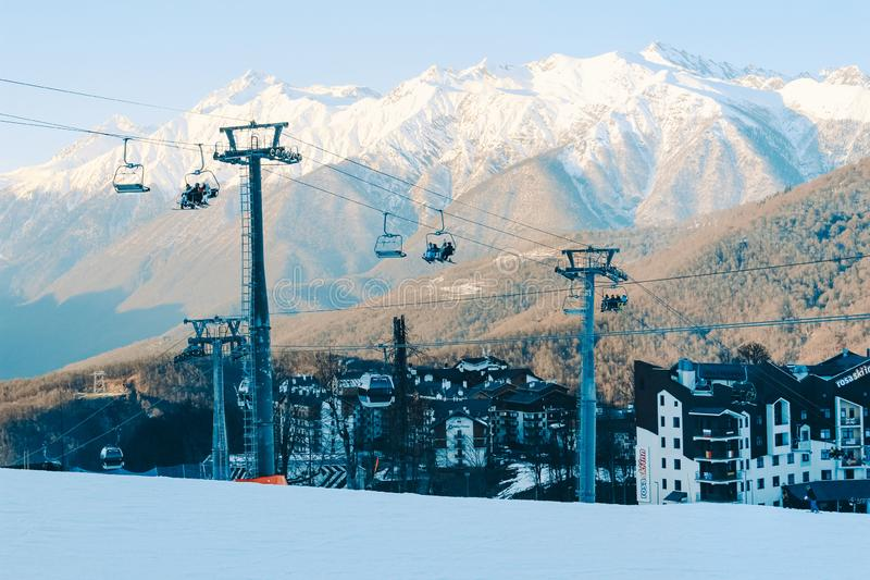 Snöig bergmaxima av Sochi royaltyfri fotografi