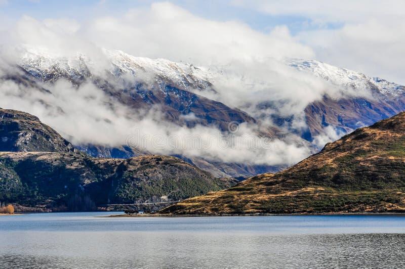 Snöig maxima near sjön Wanaka i sydliga sjöar, Nya Zeeland royaltyfria foton
