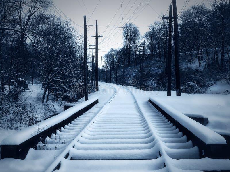 snöig spårtrolley arkivbild