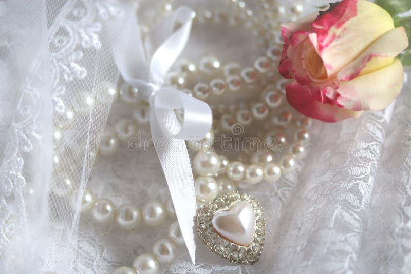 snöra åt n-pärlor royaltyfri fotografi