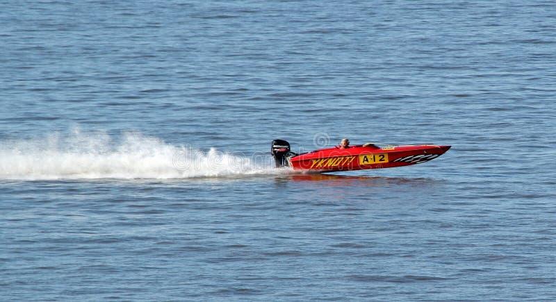 Snabb motorbåt Racing royaltyfria bilder