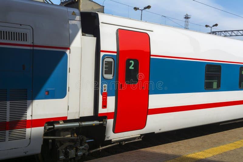Snabb passageraredrevbil arkivfoto