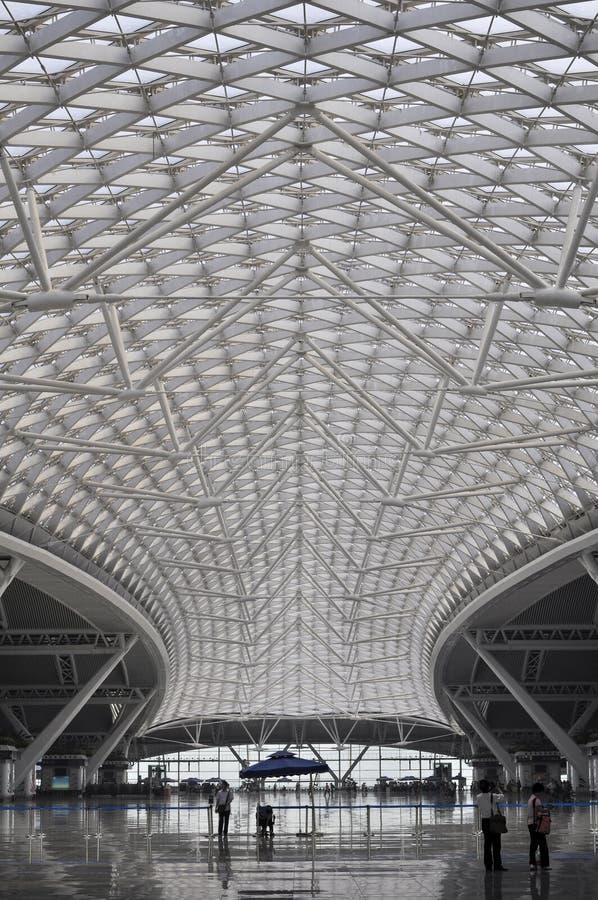 Snabbt järnväg tak för drevstation i Kina royaltyfri foto