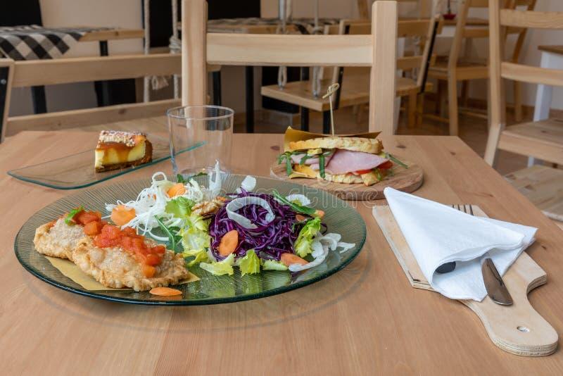 snabbt mellanmål för lunch royaltyfria bilder