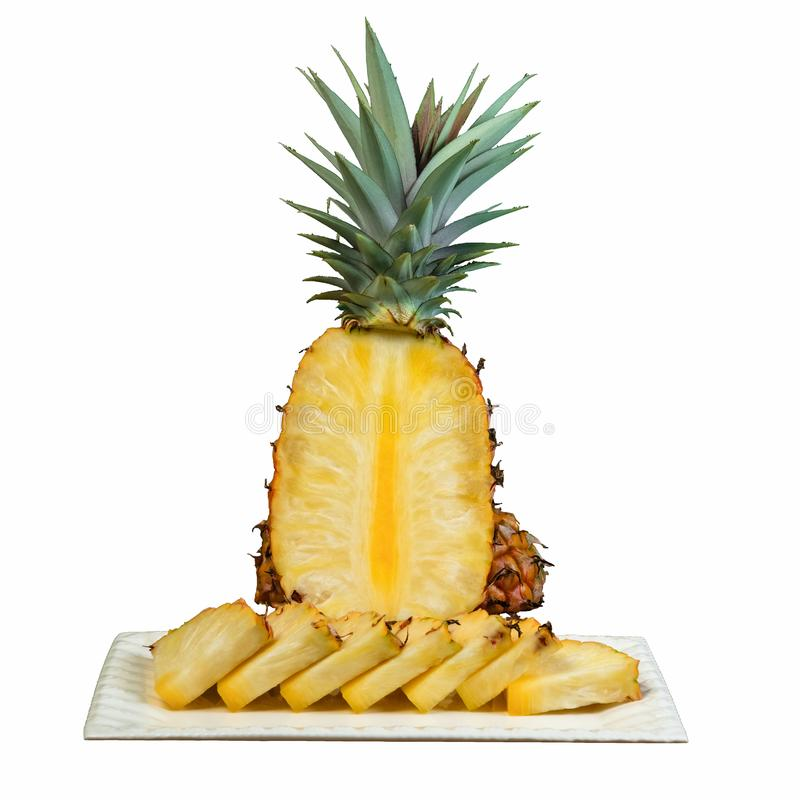 Snabbt utklipp för ananas på det vita plattasnittet i kilvitbakgrund arkivfoton