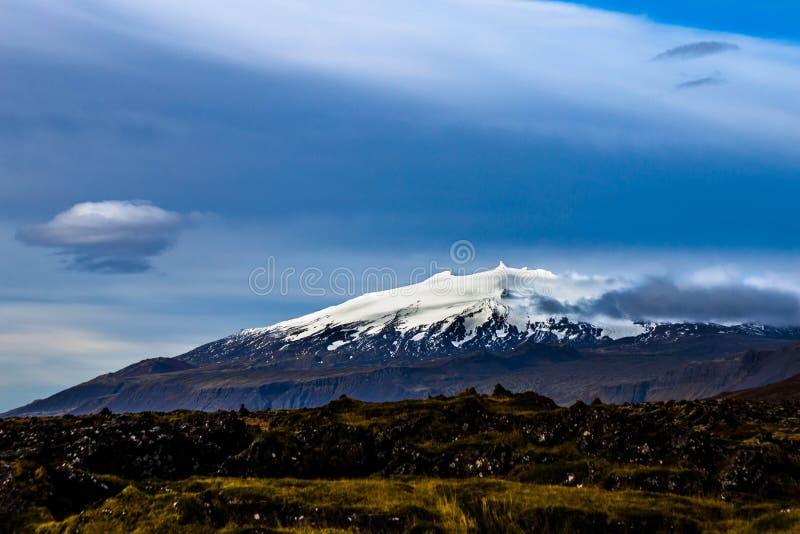 Snaefellsjokull glaciär på den Snaefellsnes halvön av Island arkivfoto