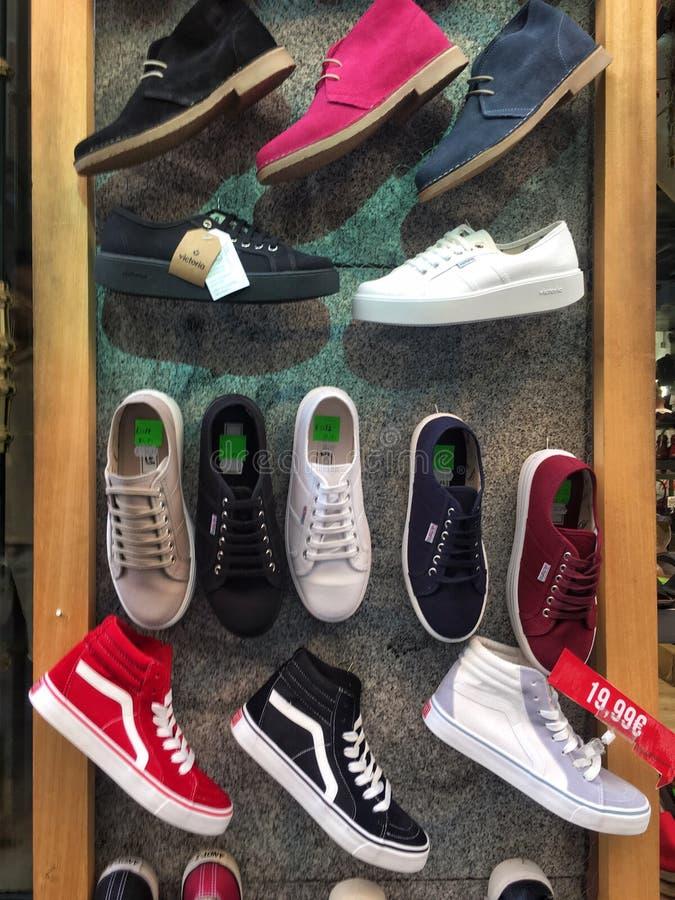 Sneakers tapetowi fotografia royalty free
