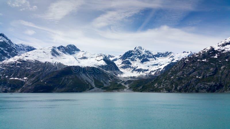 Sneeuw afgedekte bergen Alaska royalty-vrije stock afbeelding