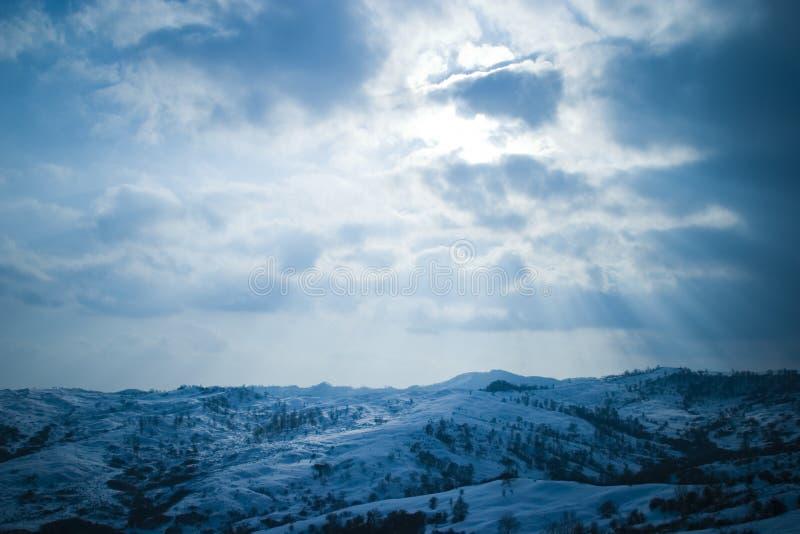 Sneeuw Behandelde Bergen royalty-vrije stock foto
