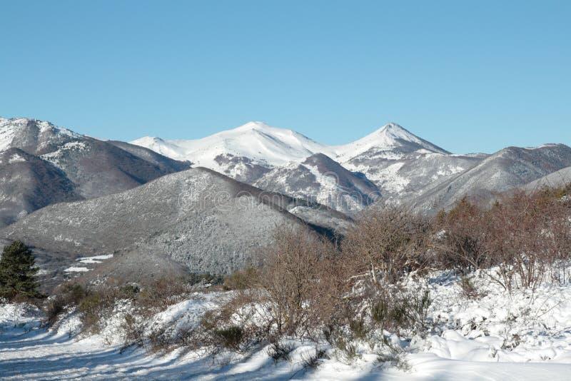 Sneeuw berg in de Pyreneeën stock afbeelding