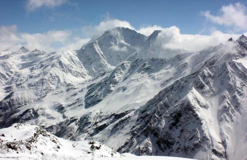 Sneeuw bergpiek stock fotografie