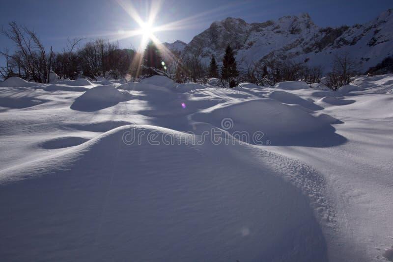 Sneeuw en berg stock foto