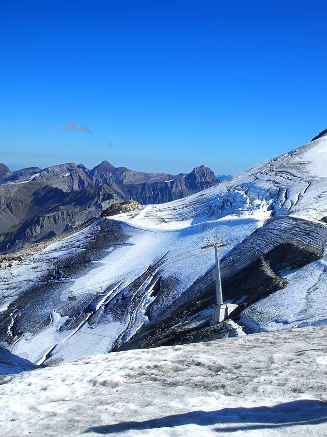 Sneeuw en ijs in Zwitserland stock foto