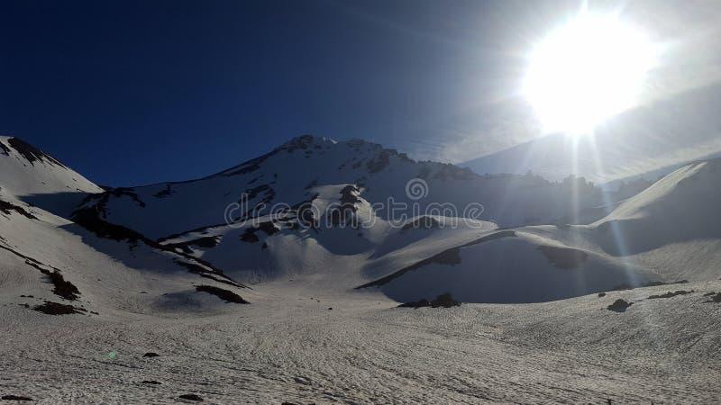 Sneeuw het westengezicht van onderstelshasta stock fotografie
