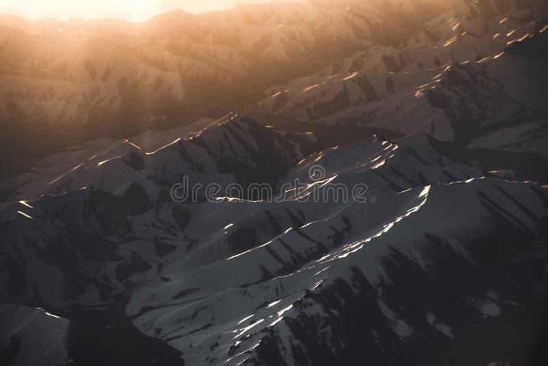 Sneeuw Mountain View van het District van Leh Ladakh, Norther-deel van India royalty-vrije stock foto's