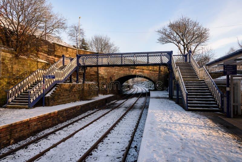 Sneeuw op spoorwegspoor, Noordelijk Engeland stock foto