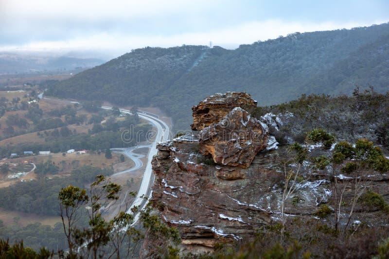 Sneeuw op steile hellingen bij de Muurvooruitzicht wordt verzameld i die van Lithgows Hassans stock foto