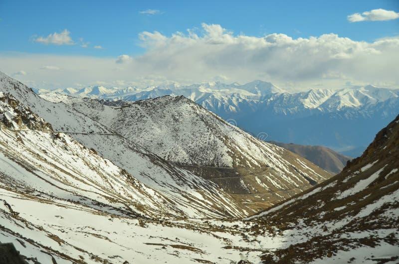Sneeuwberg in Leh, Ladakh, India stock afbeeldingen