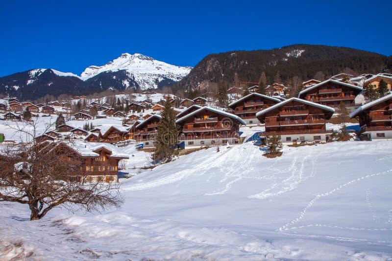 Sneeuwbergchalet in Wengen, Zwitserland stock fotografie