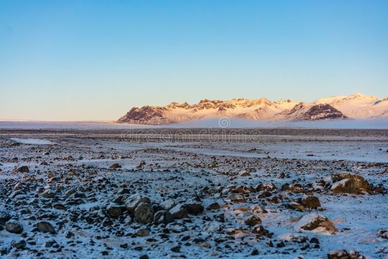 Sneeuwlandschap in IJsland stock foto's