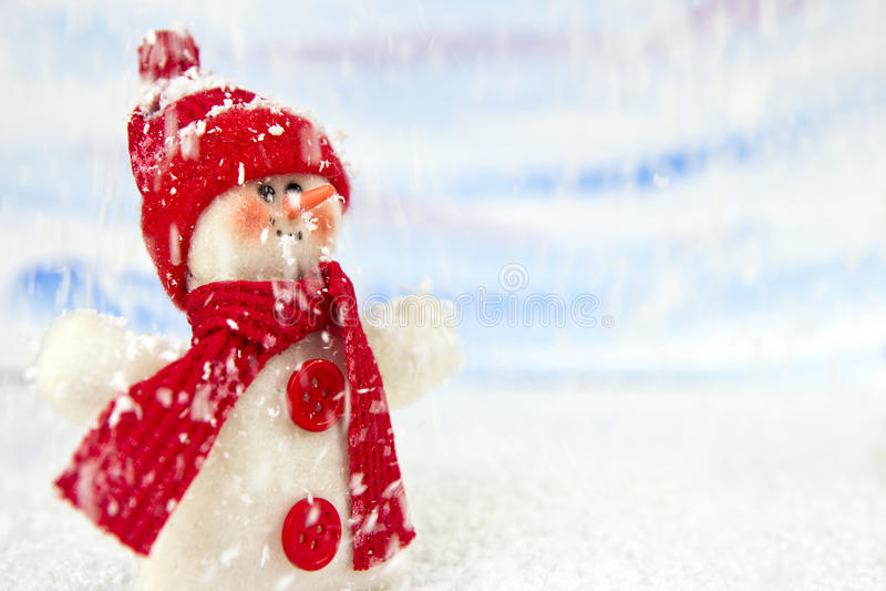 Sneeuwman in de sneeuw royalty-vrije stock foto's