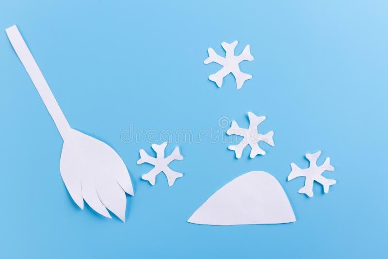 Sneeuwopheldering verwijder sneeuw royalty-vrije stock afbeelding