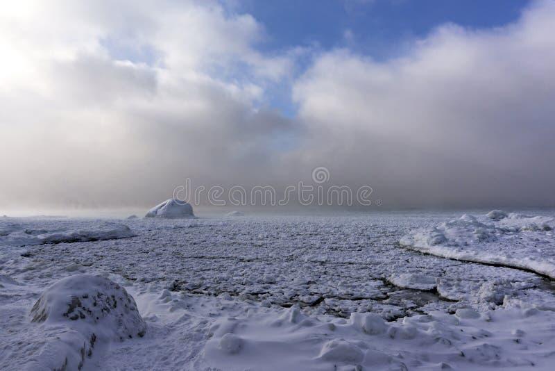 Sneeuwrukwinden op Georgische Baai, Ontario stock fotografie