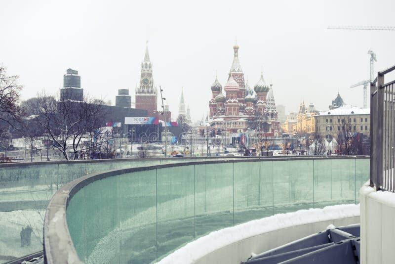 Sneeuwval in Moskou, Rusland De Russische winter royalty-vrije stock afbeelding