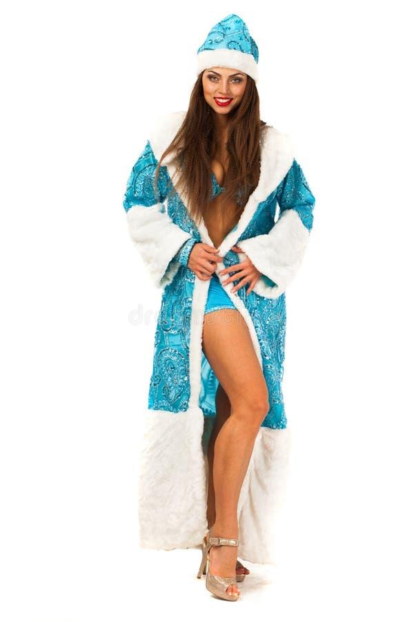Snegurochka russe Jeune femme dans le costume de la domestique de neige images stock