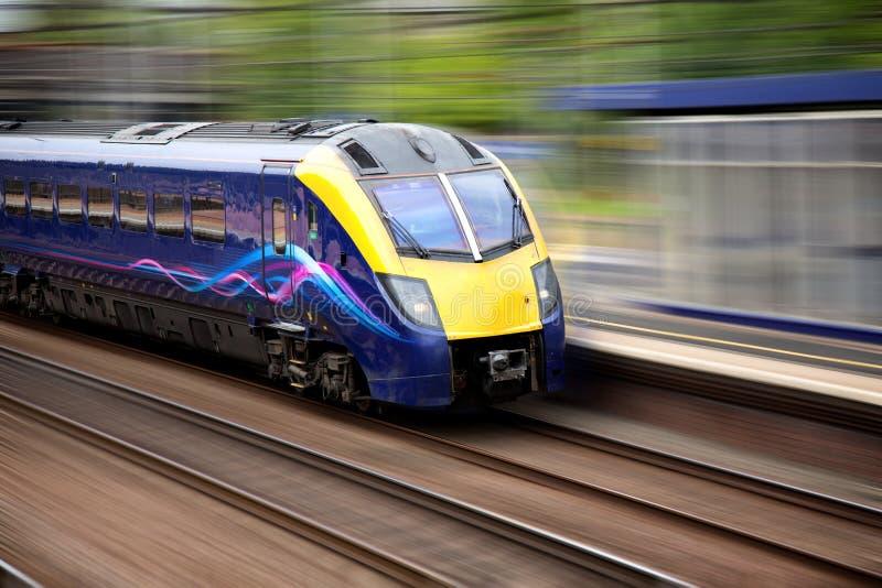 Snel bewegende trein royalty-vrije stock foto