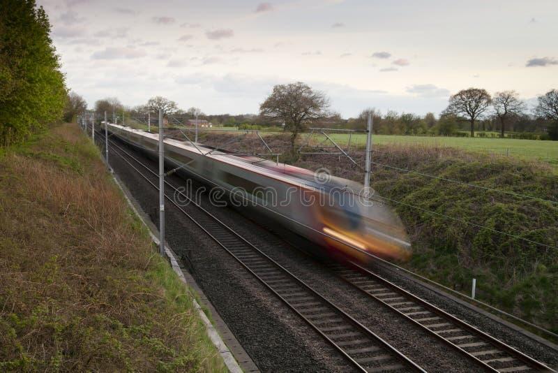Snel bewegende trein stock afbeeldingen