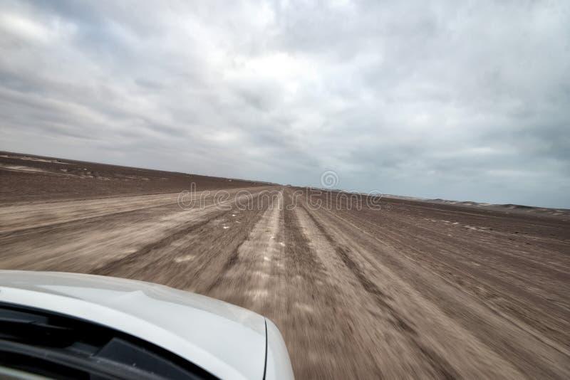 Snel drijvend op een Lege Zoute die Weg, in Januari 2018 wordt genomen stock fotografie
