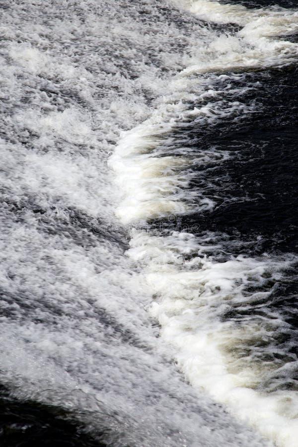 Snel Water in een Schotse Rivier royalty-vrije stock afbeeldingen