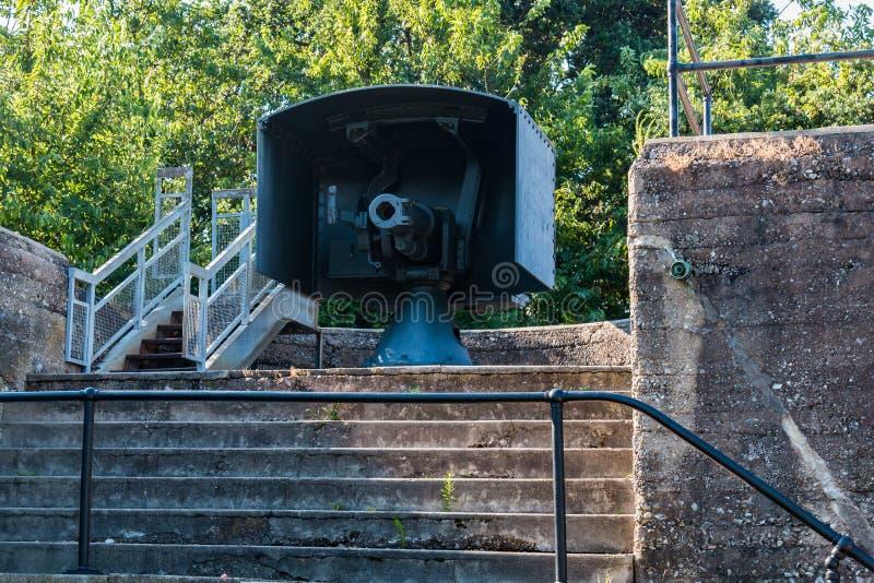 Snelle Brandkanon bij Batterij Irwin bij Fort Monroe stock foto