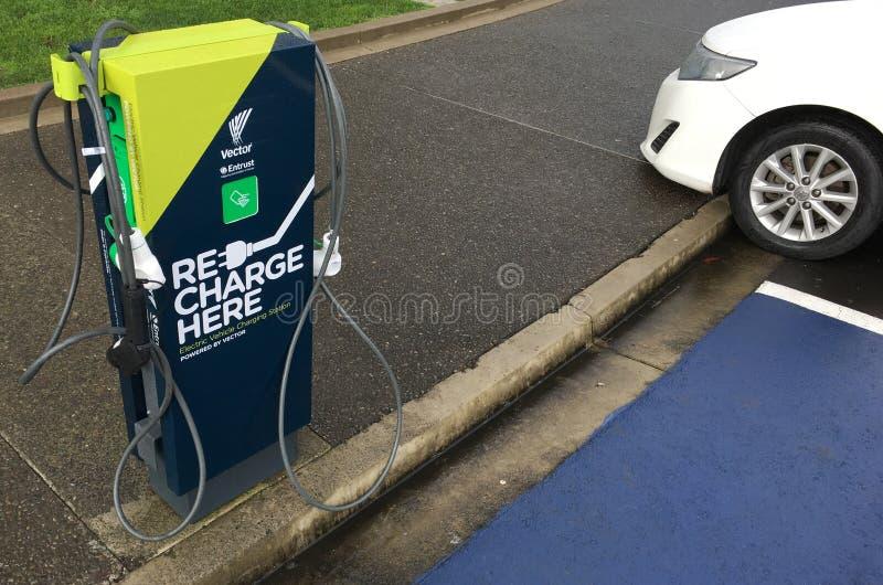 Snelle elektrisch voertuig het laden posten royalty-vrije stock fotografie