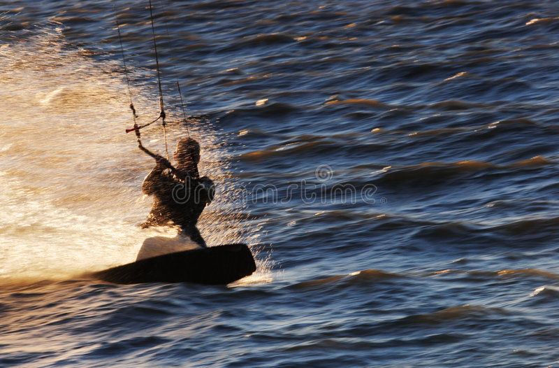 Snelle kitesurfer royalty-vrije stock afbeelding
